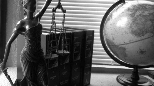 Que dit la loi sur l'obligation de publication d'annonce légale par les entreprises ?
